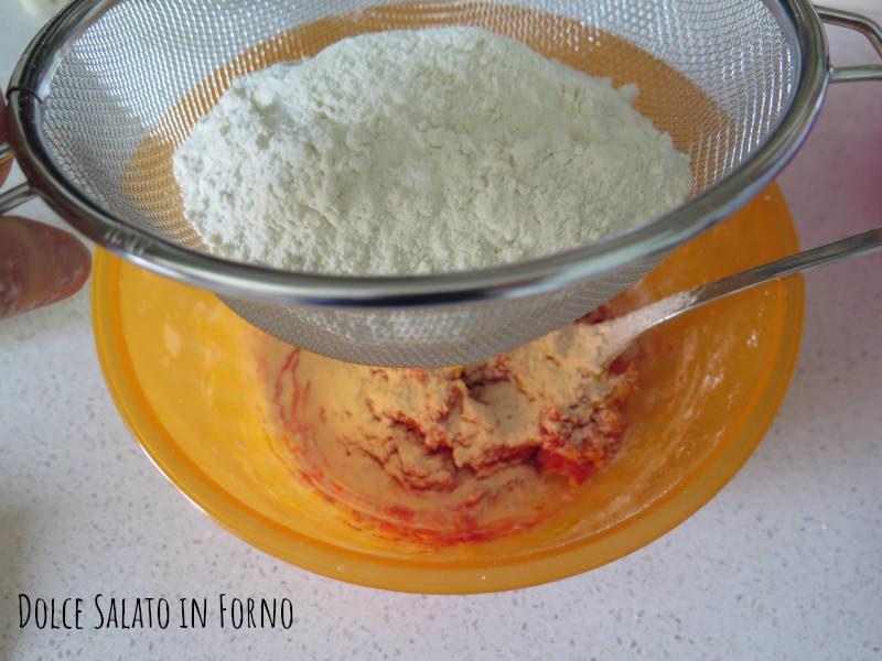 Aggiungere le farine setacciate