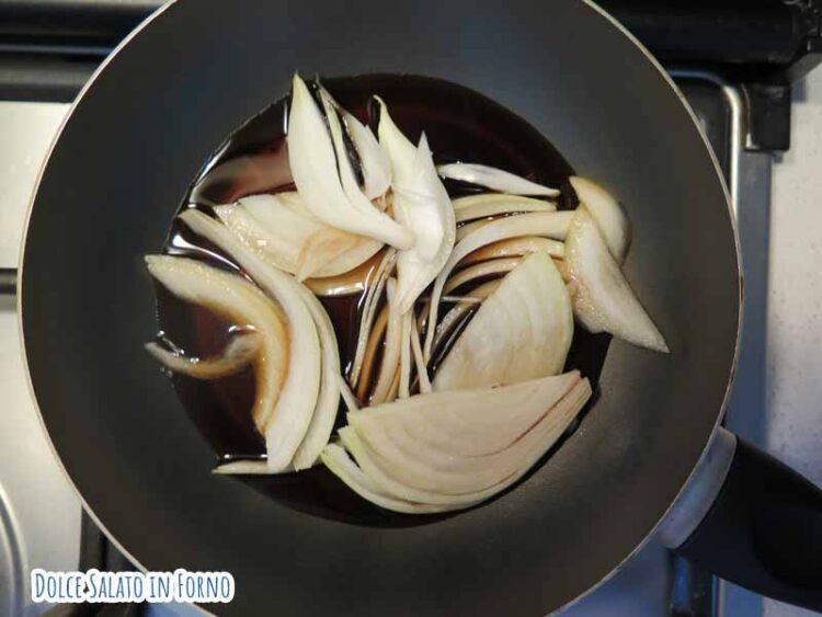 cuoci cipolla nel brodo