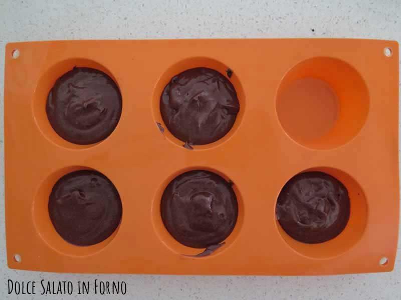 Versare composto stampo muffin