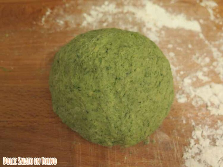 Impasto pasta verde spinaci