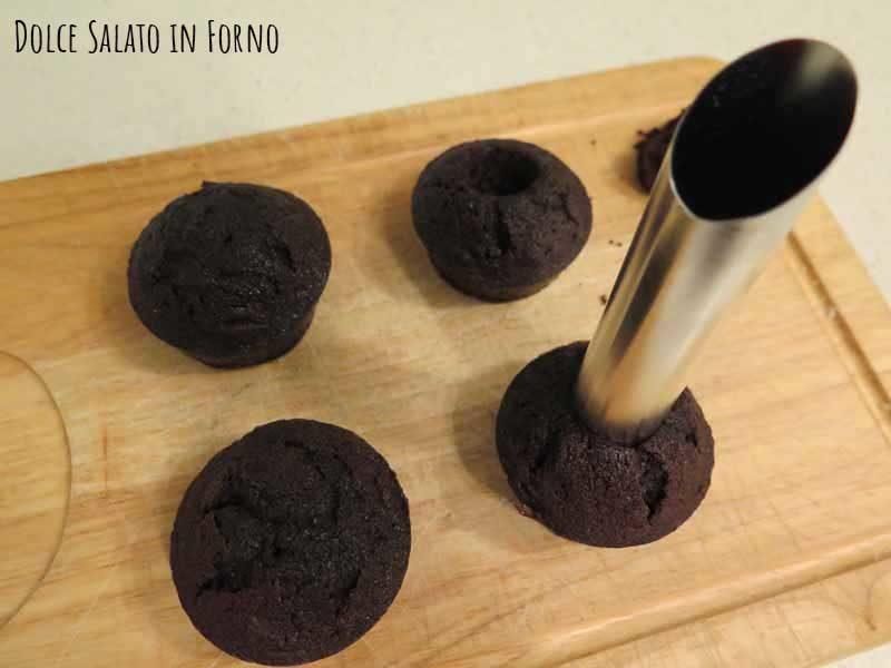 Scavare cupcake al cioccolato