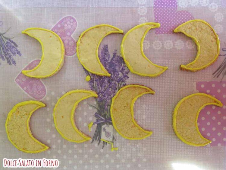glassare i biscotti a forma di crescent compact di Sailor V