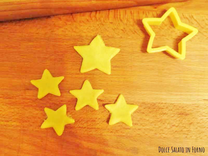 Tagliare stelle tagliabiscotti