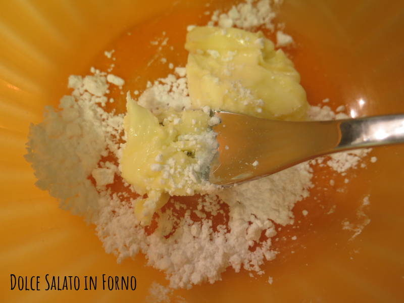 Montare burro e zucchero