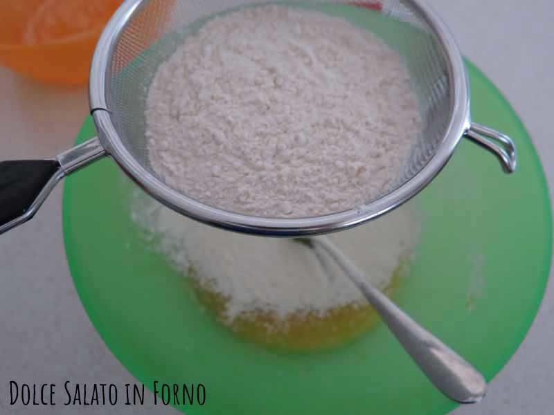 Setacciare lievito farina