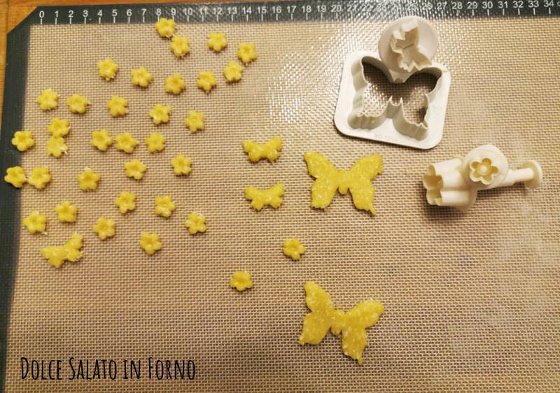 Biscotti sablè farfalle fiori decorazione