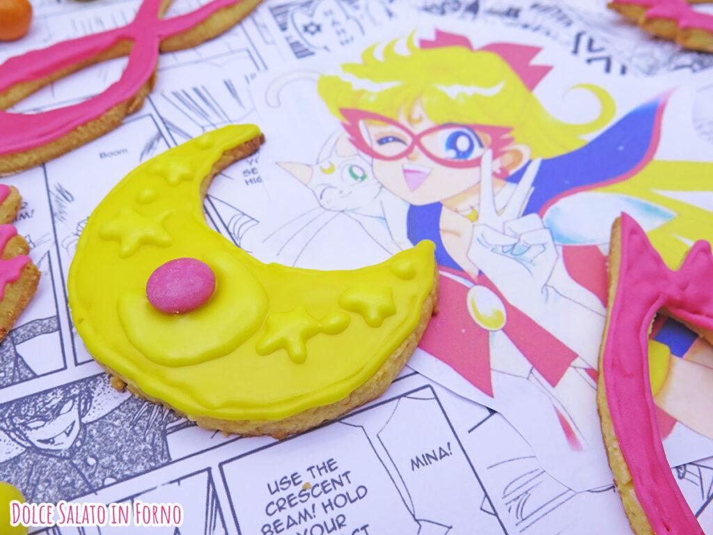 Biscotto a forma di crescent compact di Sailor V