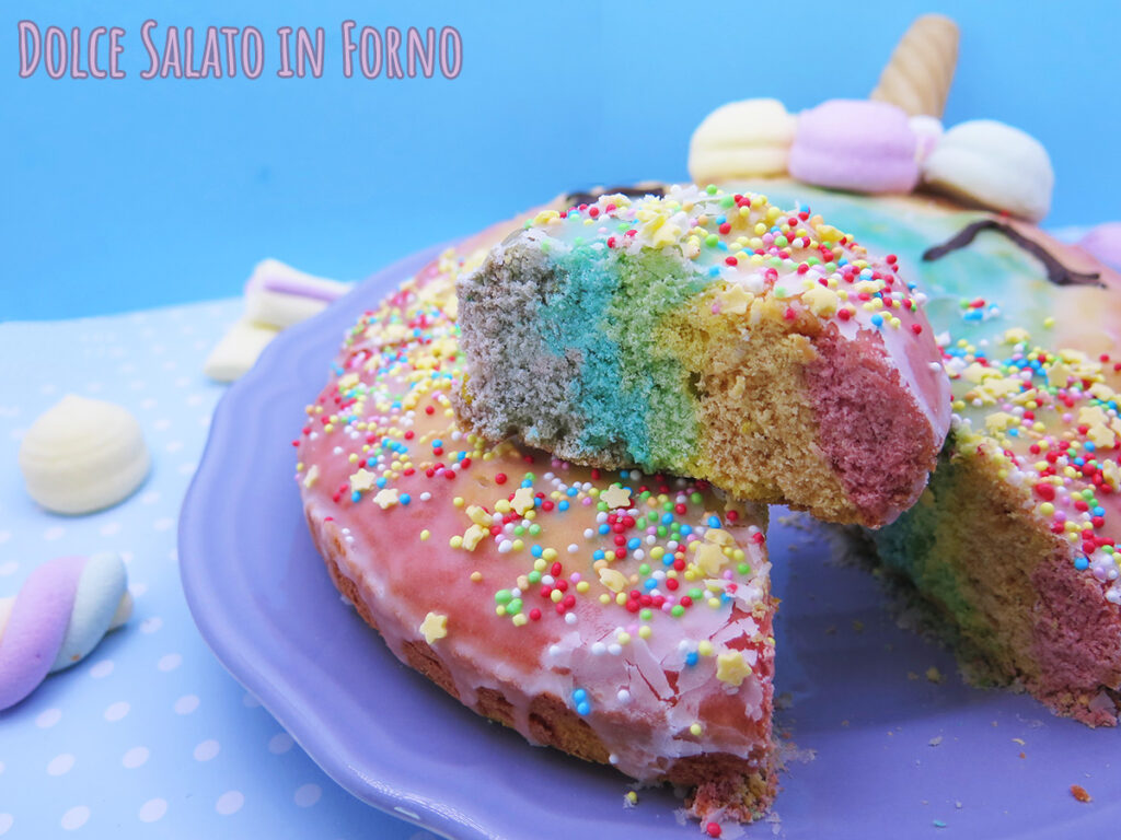 Ciambella arcobaleno unicorno