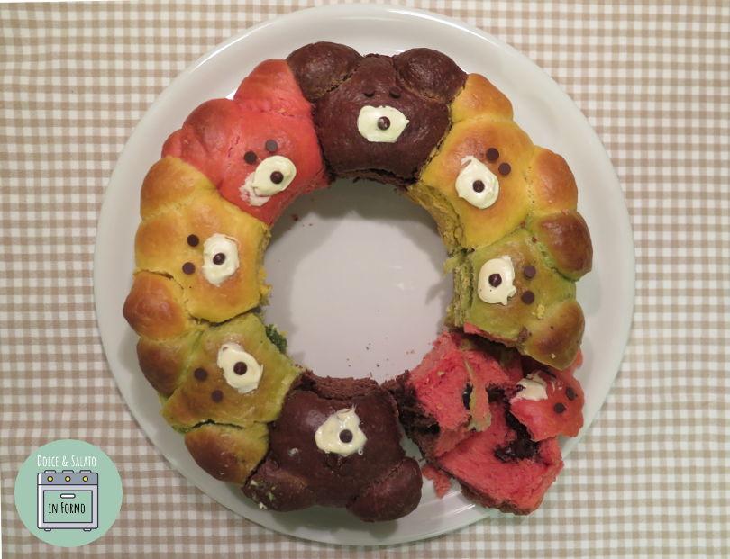 Ciambella brioche di orsetti colorata senza coloranti e senza burro