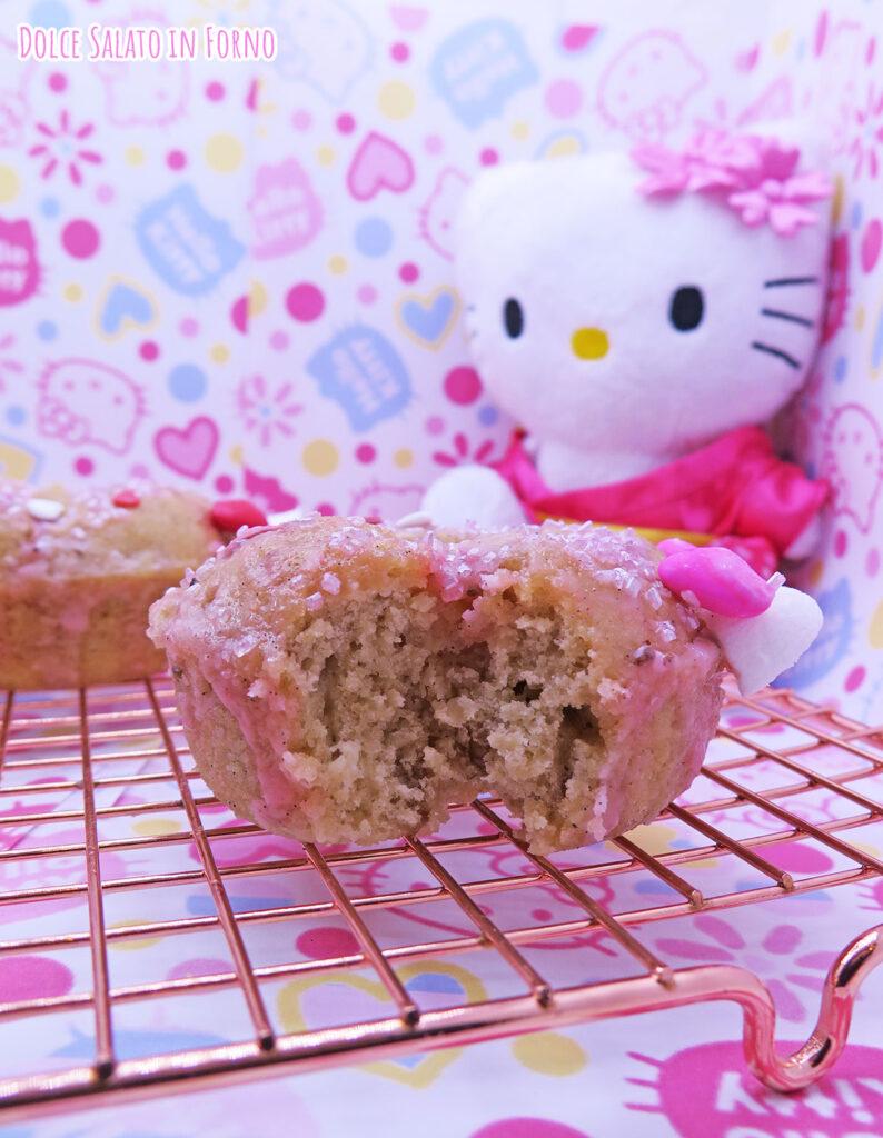 Ciambella alla mela, noci e cannella di Hello Kitty