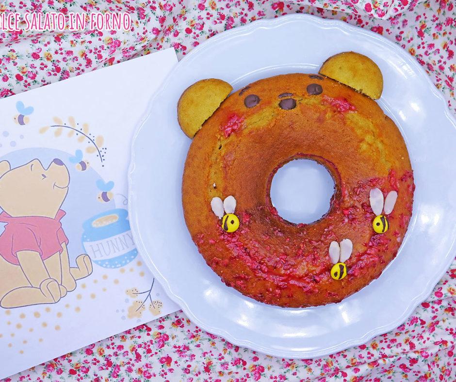 Ciambella al miele e latte con crema alle fragole senza uova di Winnie The Pooh