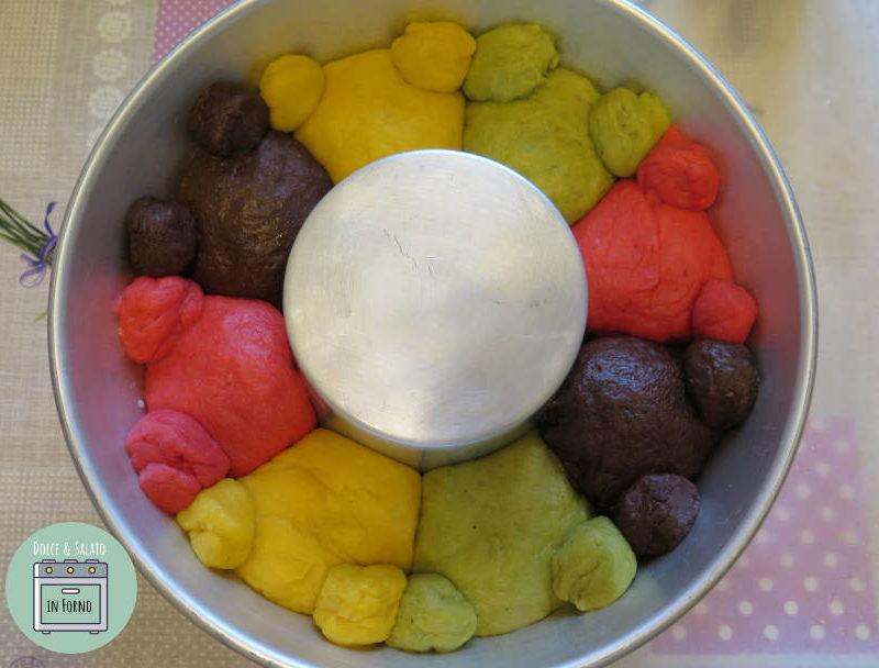 Ciambella brioche di orsetti colorata