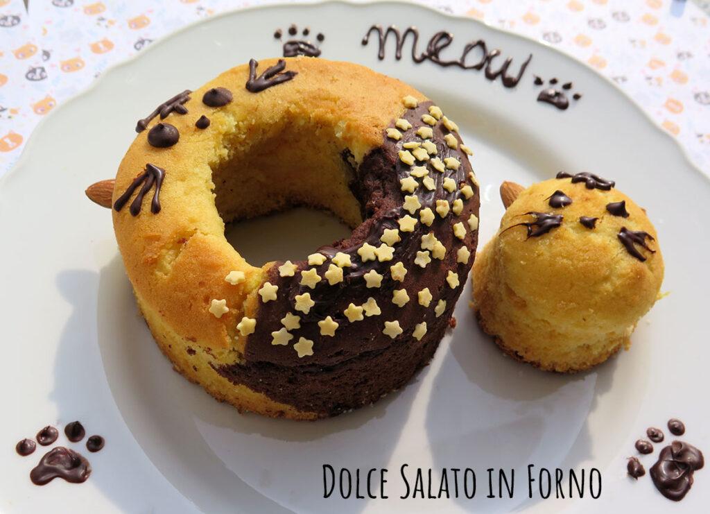 Ciambella alla panna e cioccolato a forma di gatto