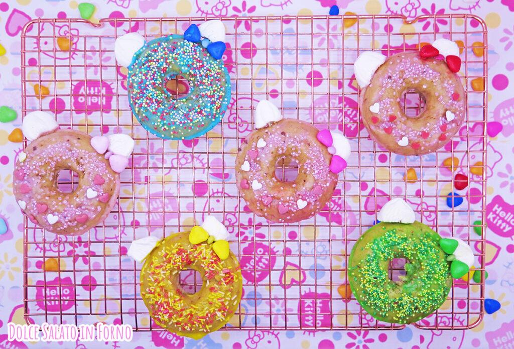 Ciambelline alle mele, noci e cannella a forma di Hello Kitty