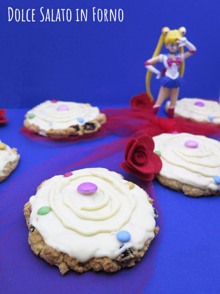 Cookies Cristallo di Luna Sailor Moon al cocco, mandorle, mirtilli e cioccolato bianco