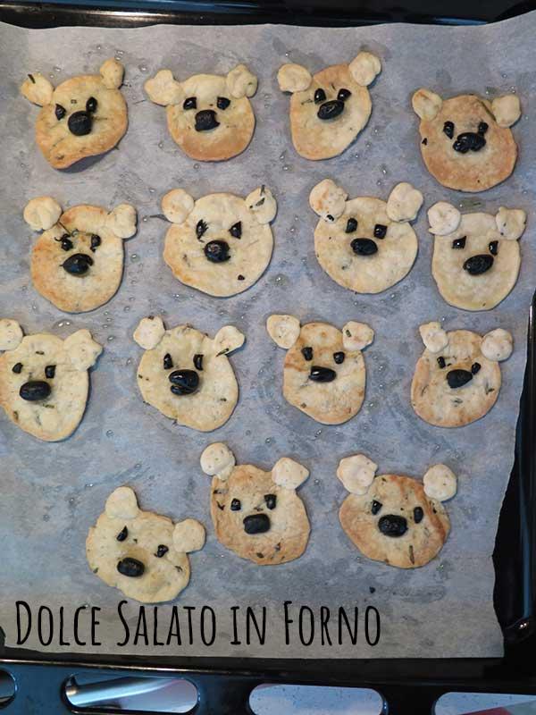 Crackers senza lievito a forma di orsetto