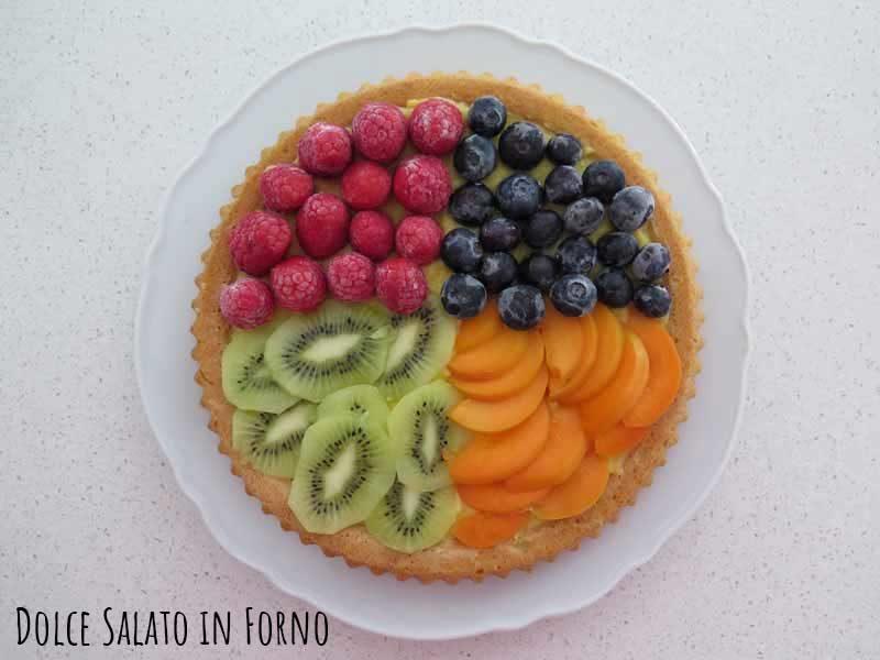 Crostata morbida crema pasticcera e frutta