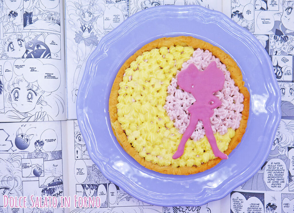 Crostata alla crema pasticcera e namelaka fragola Sailor Chibi Moon