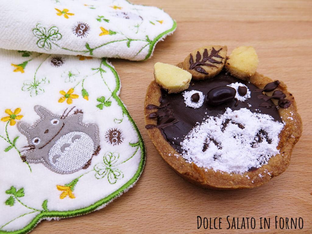 Crostatina cioccolato e pere a forma di Totoro