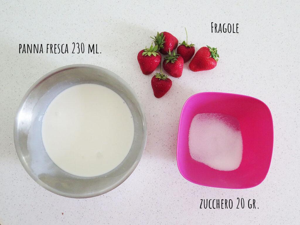 Ingredienti per la farcitura del rotolo alle fragole e panna