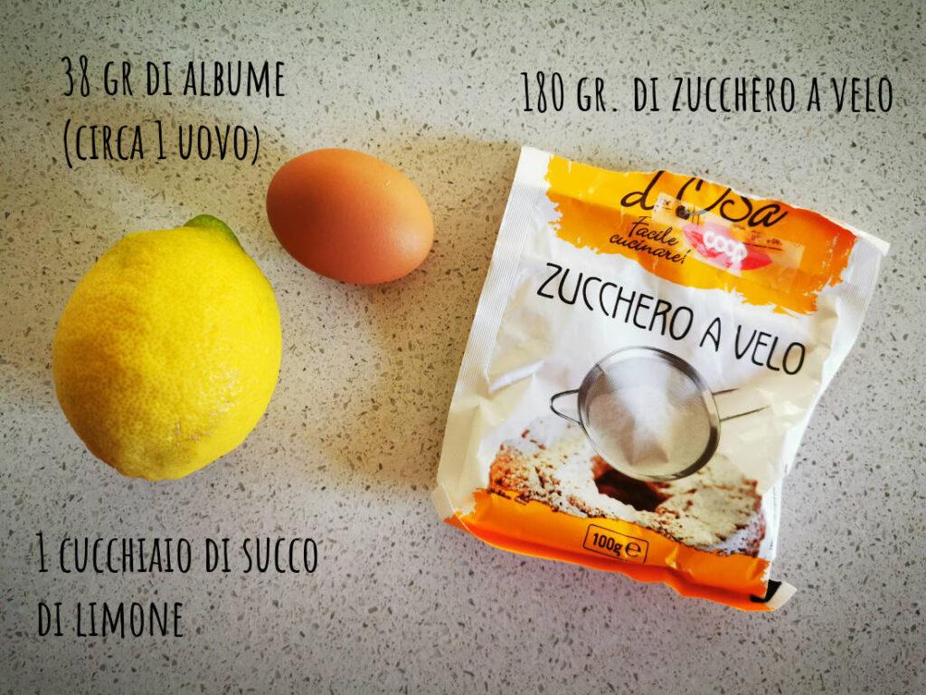 ingredienti per la glassa per decorare i biscotti