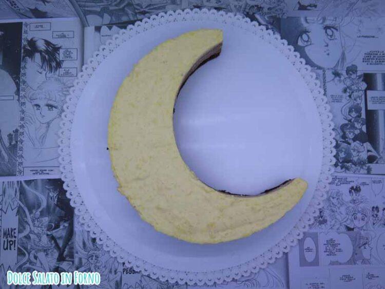 mousse tre cioccolati a forma luna