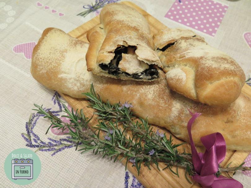 Pane sfilatini olive e rosmarino