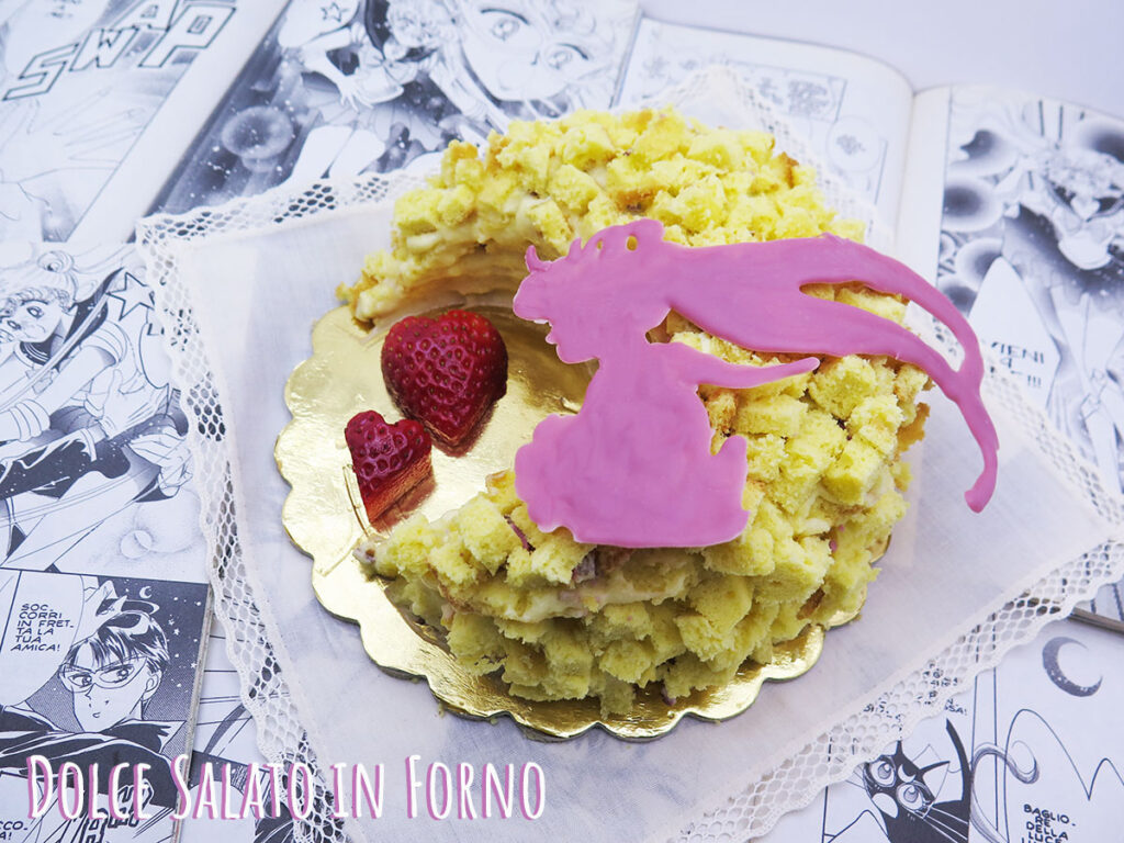 Torta mimosa Sailor Moon fragole fresche e cioccolato ruby