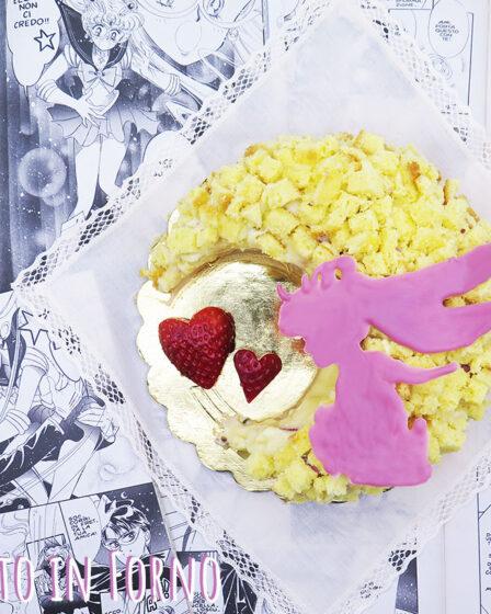 Torta mimosa Sailor Moon fragole fresche e cioccolato ruby